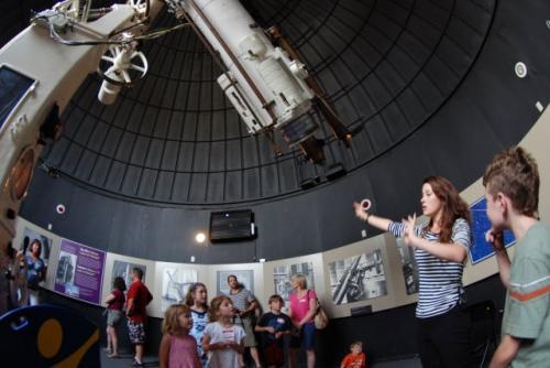 16-phoca thumb l observatoire-helen-sawyer-hogg-observatory1